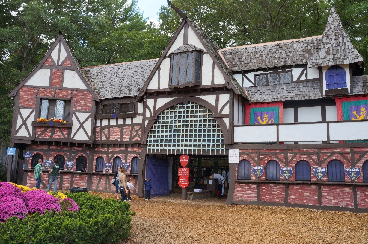 Family: King Richard's Faire with M and K