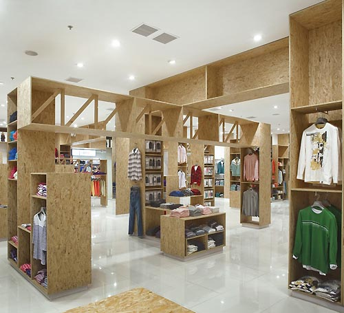 Natural Interior In Contemporary Fashion Store Design