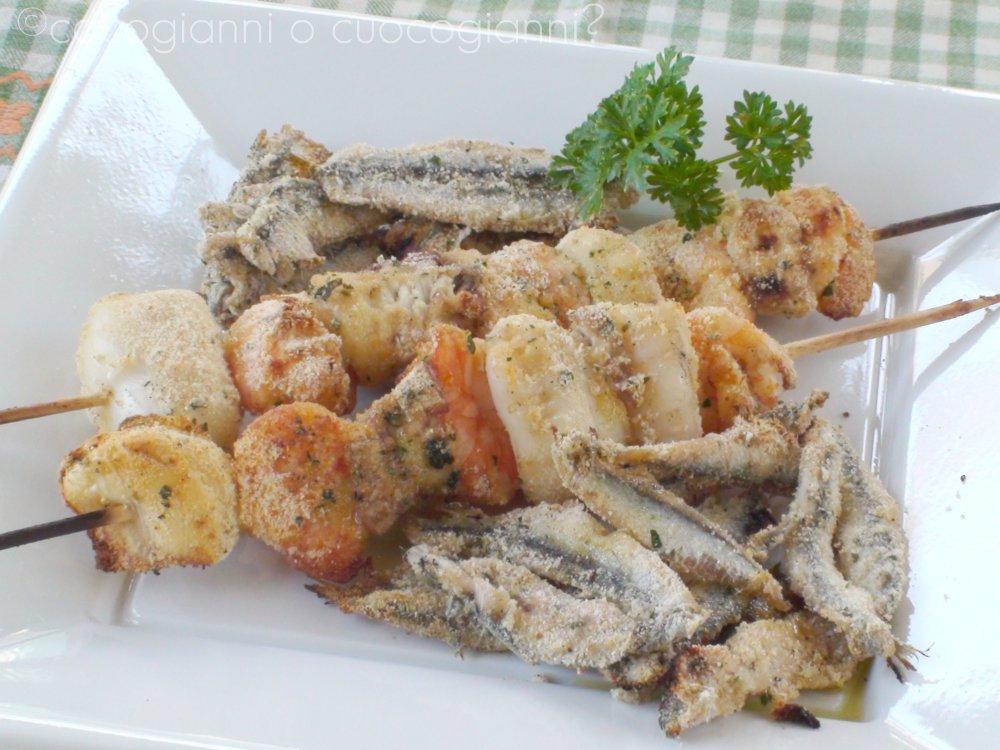 Spiedini di pesce alla romagnola da cocogianni o for Spiedini di pesce gratinati