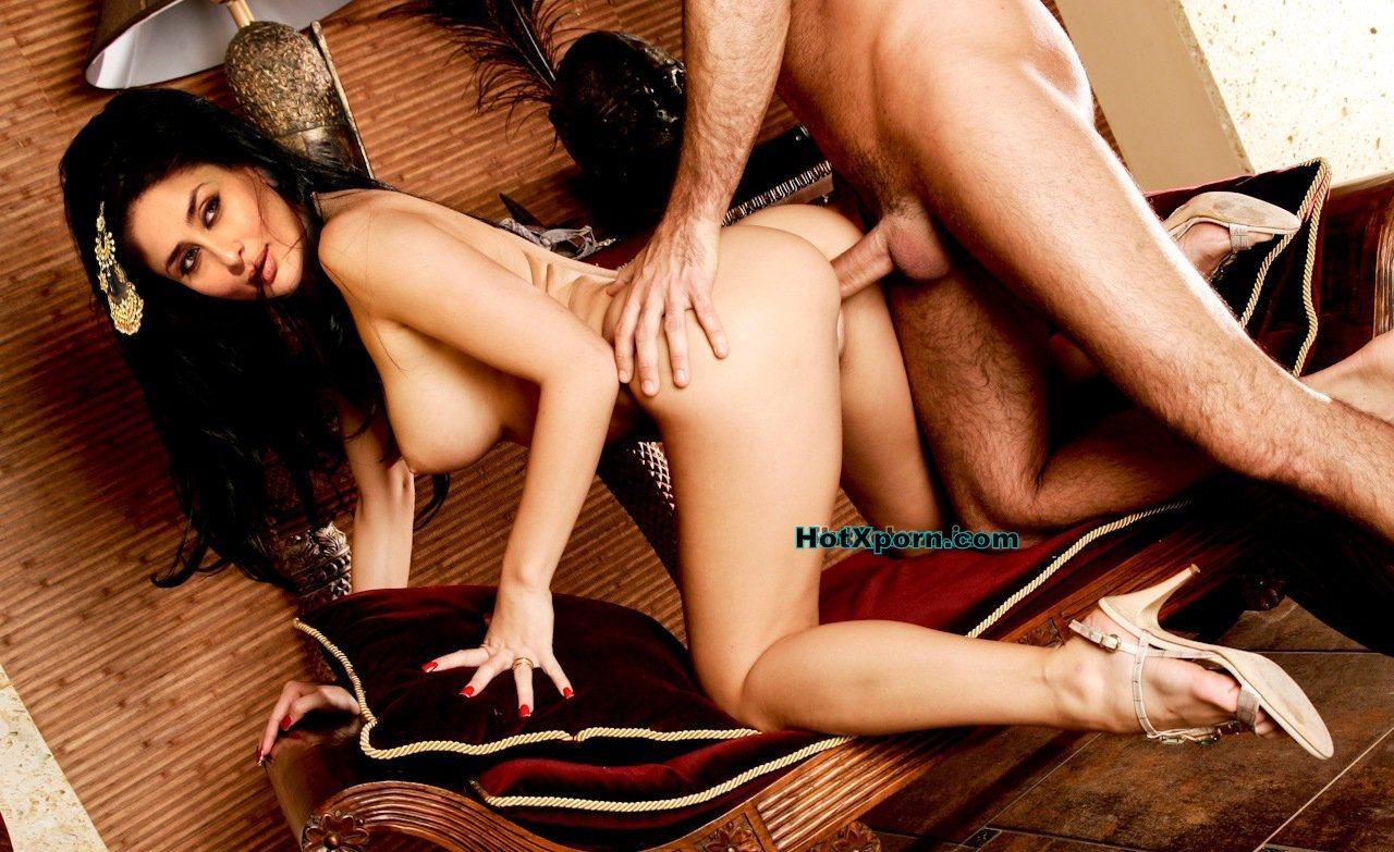 Popular bollywood Actress Kareena Kapoor Fucked In Doggy Style ...