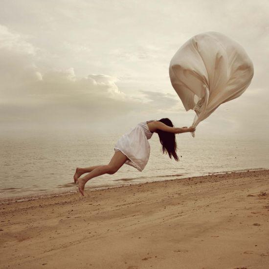 Kylie Woon fotografia photoshop surreal solidão melancolia Levantando vôo