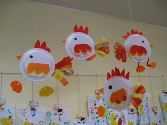 Professora juce animais da fazenda galinha com sucata for Rooster craft for kindergarten