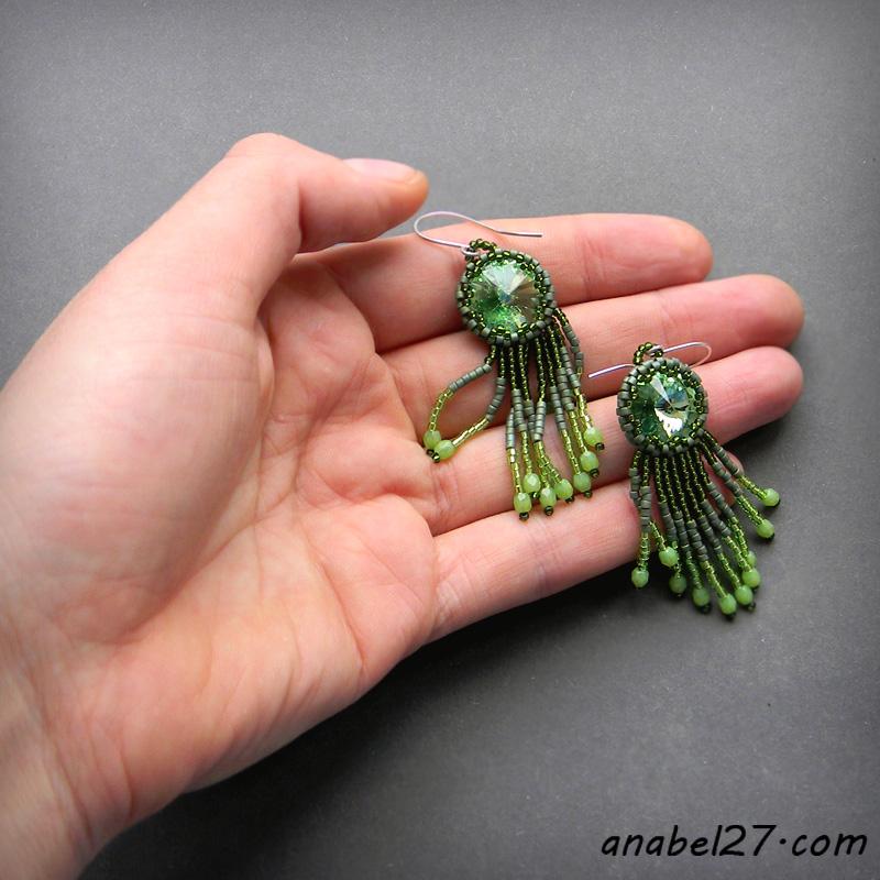 Серьги ручной работы.  Ярмарка Мастеров - ручная работа Зеленые серьги из бисера с кристаллами Swarovski - 217.