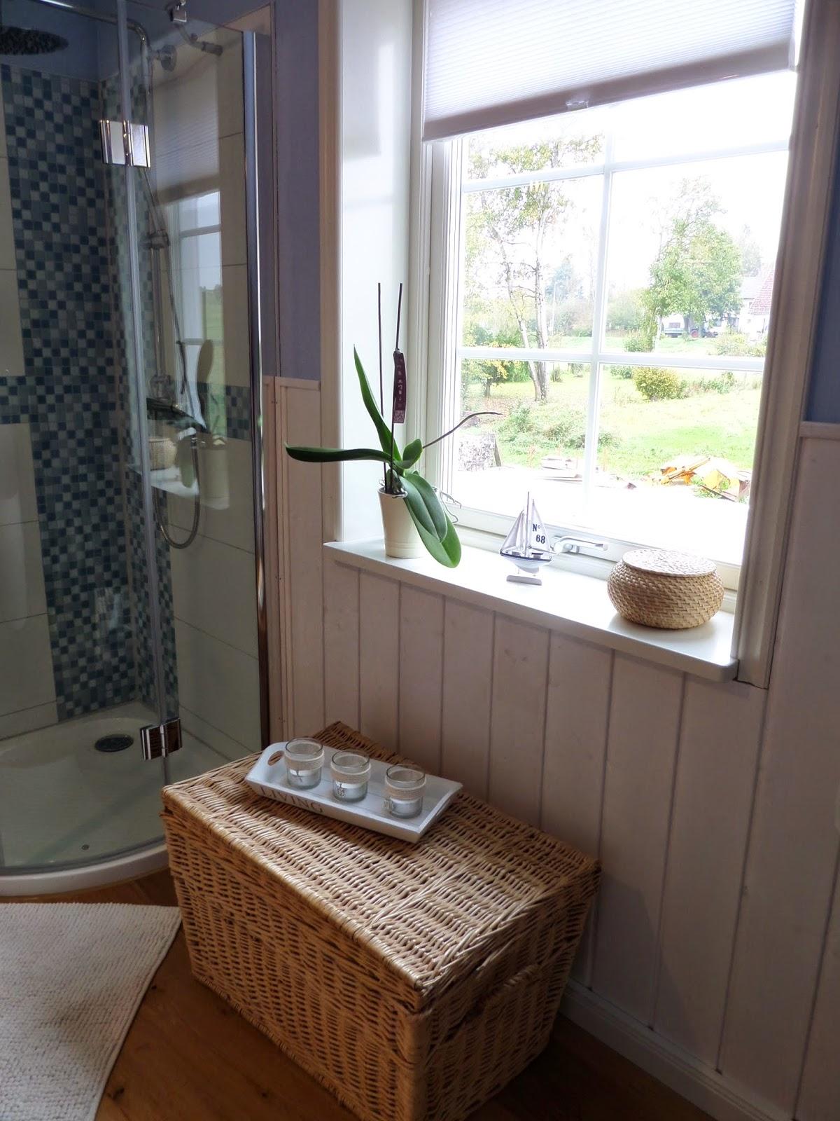 kleine lotta unser schwedenhaus badezimmer und noch mehr. Black Bedroom Furniture Sets. Home Design Ideas