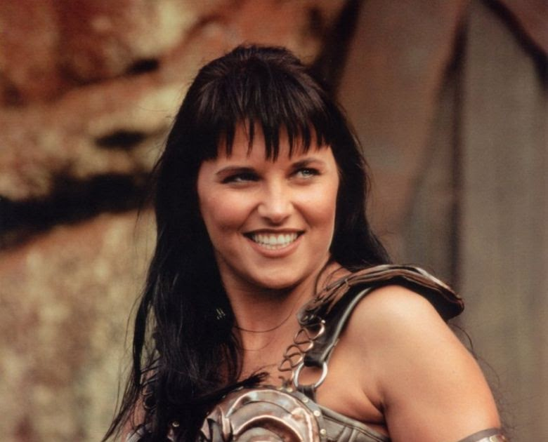 Fashion News Inspired Sexy Lucy Lawless