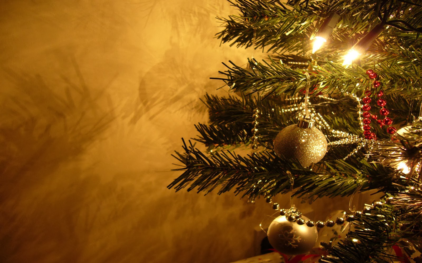 The fresh wallpaper merry christmas new wallpapers free christmas desktop background voltagebd Image collections