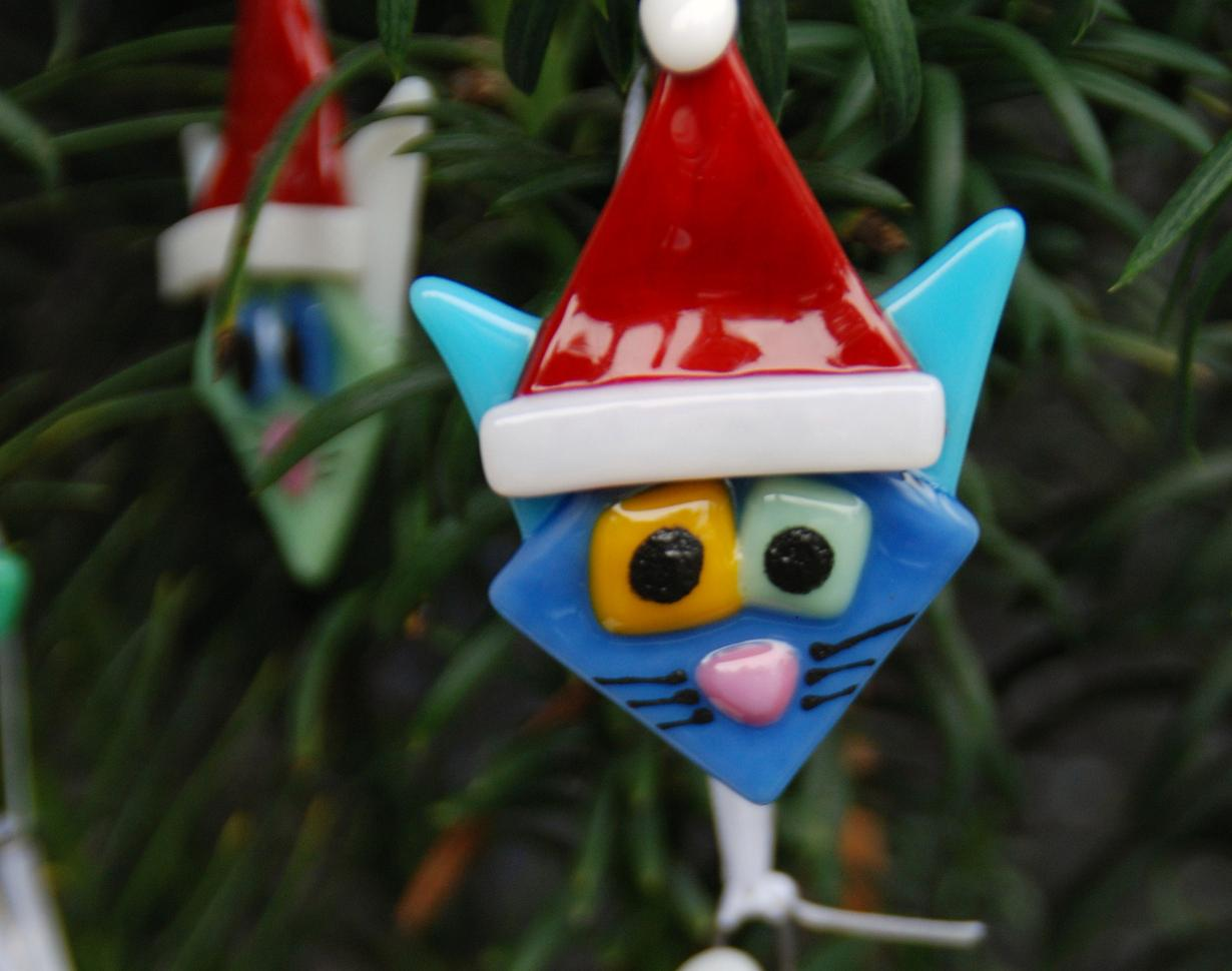 Glass cat ornaments - Cat Face Ornaments Extra Cute With Santa Hats