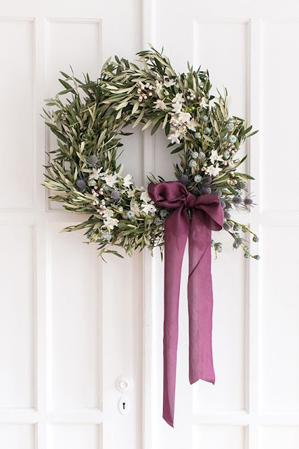Christmas DIY Blue and White Olive holiday wreath