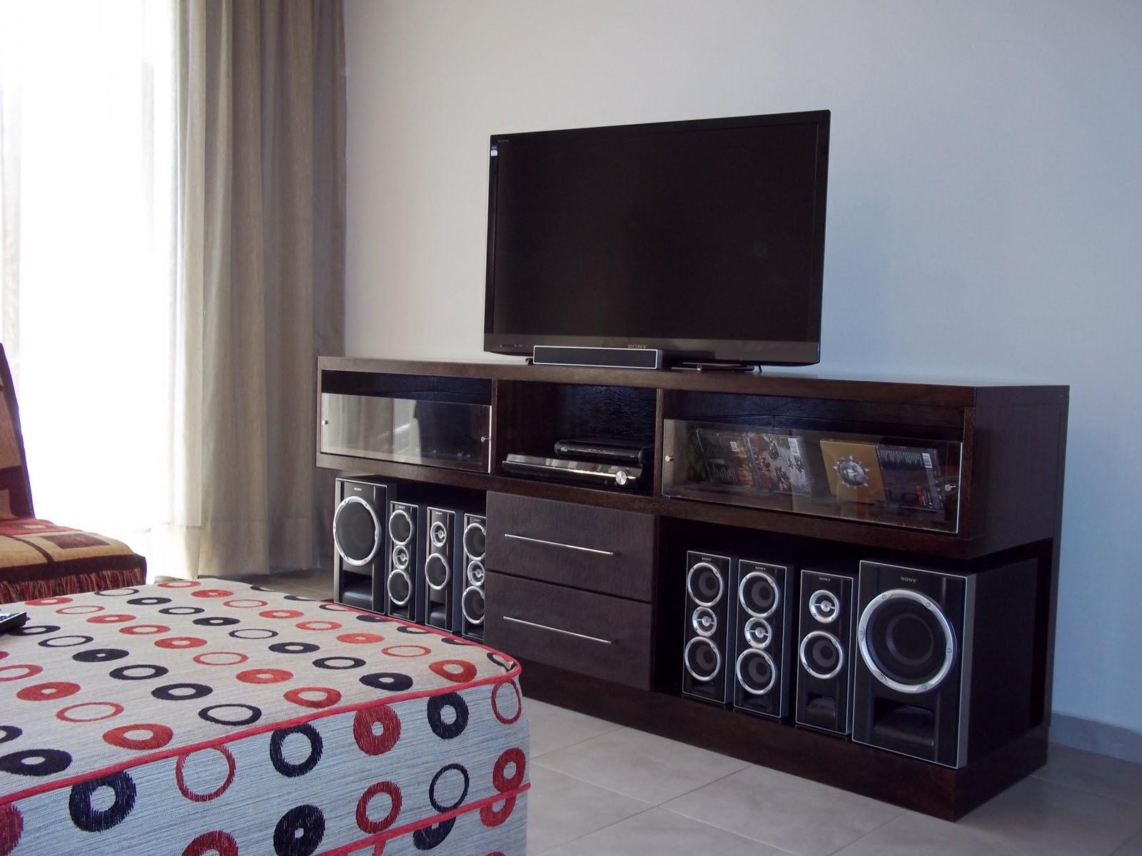 gabriela genolet mueble para equipo musica y tv