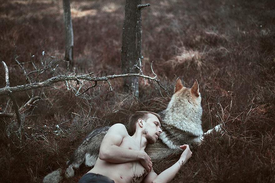 raggana-fotografia-sureale-uomo-lupo-lituania