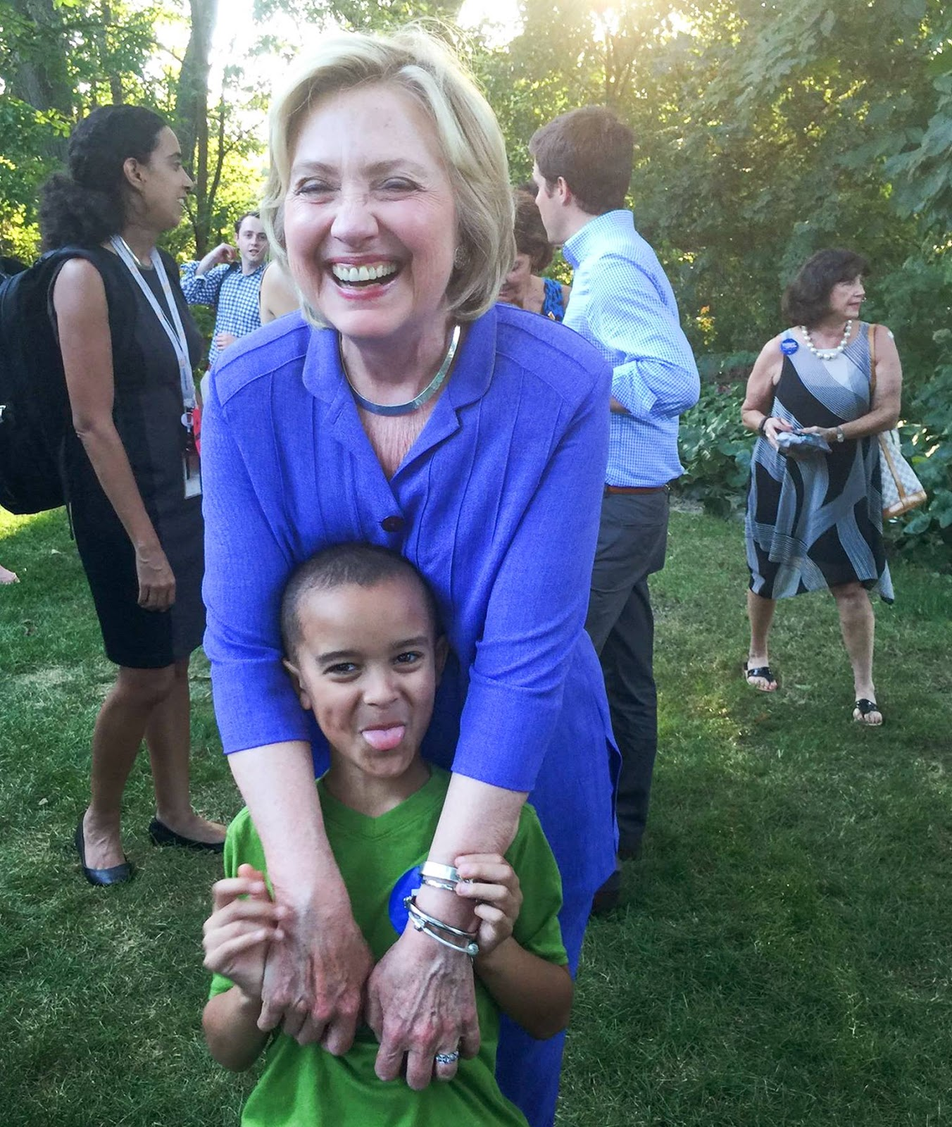 hillary hq this photo of hillary may surprise you but it really