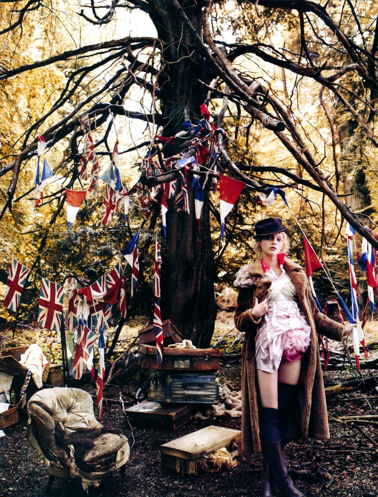 Sasha Pivovarova in Vogue UK December 2007 (photography: Mario Testino, styling: Lucinda Chambers) / Union Jack fashion editorials / fashioned by love british fashion blog
