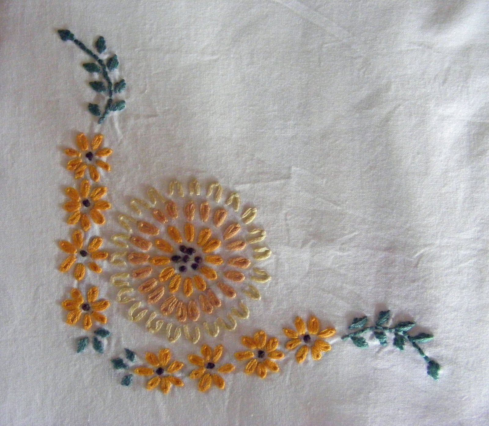 Hand Embroidery Designs Pillow Case: Pillow Case Hand Embroidery Designs   makaroka com,