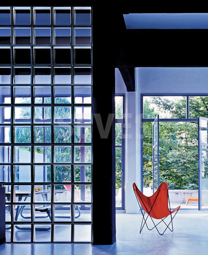 Interior relooking 5 idee per dividere gli spazi senza - Finestra vetrocemento ...