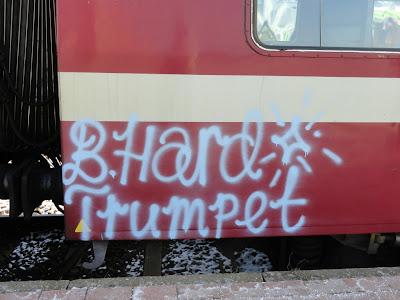 TRUMPET graffiti
