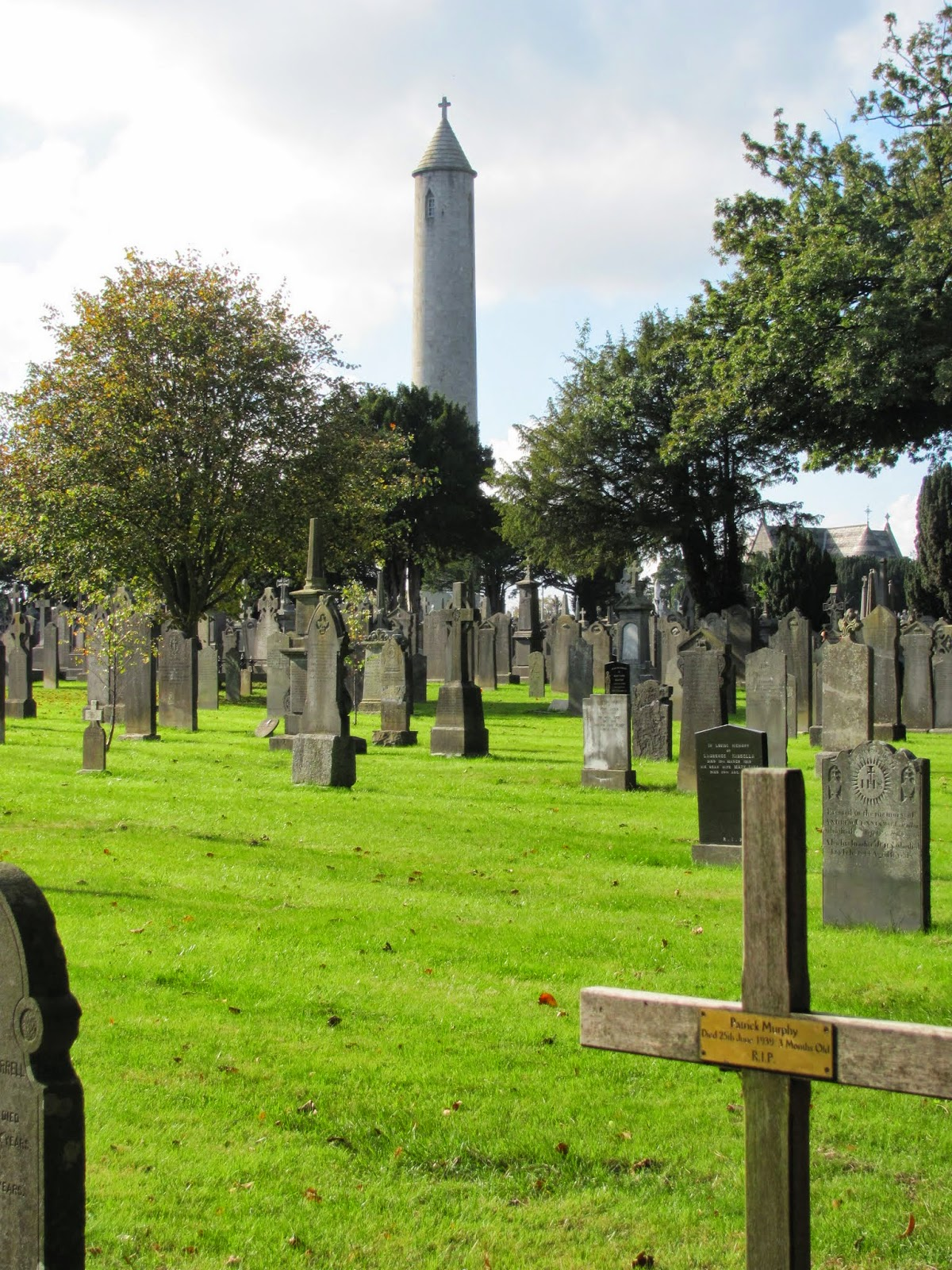Glasnevin Cemetery and O'Connell Monument