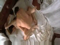 Angelina Jolie göğüsleri,Angelina Jolie memeleri,Angelina Jolie çıplak