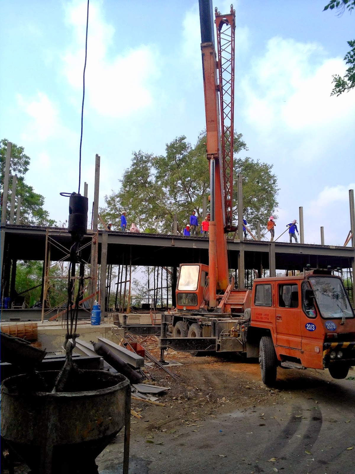 Wat Phrabathnampu aidstemple LopBuri Thailand: maart 2014
