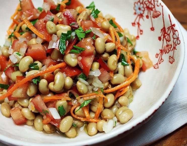 Salada de Soja com Cenoura e Vinagrete (vegana)