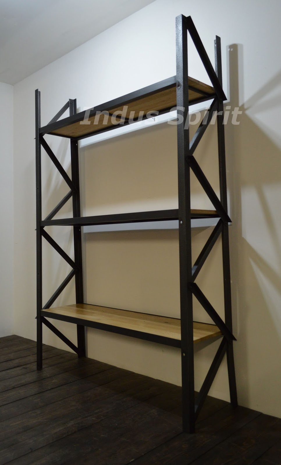 Tag re design industriel for Meuble etagere style industriel