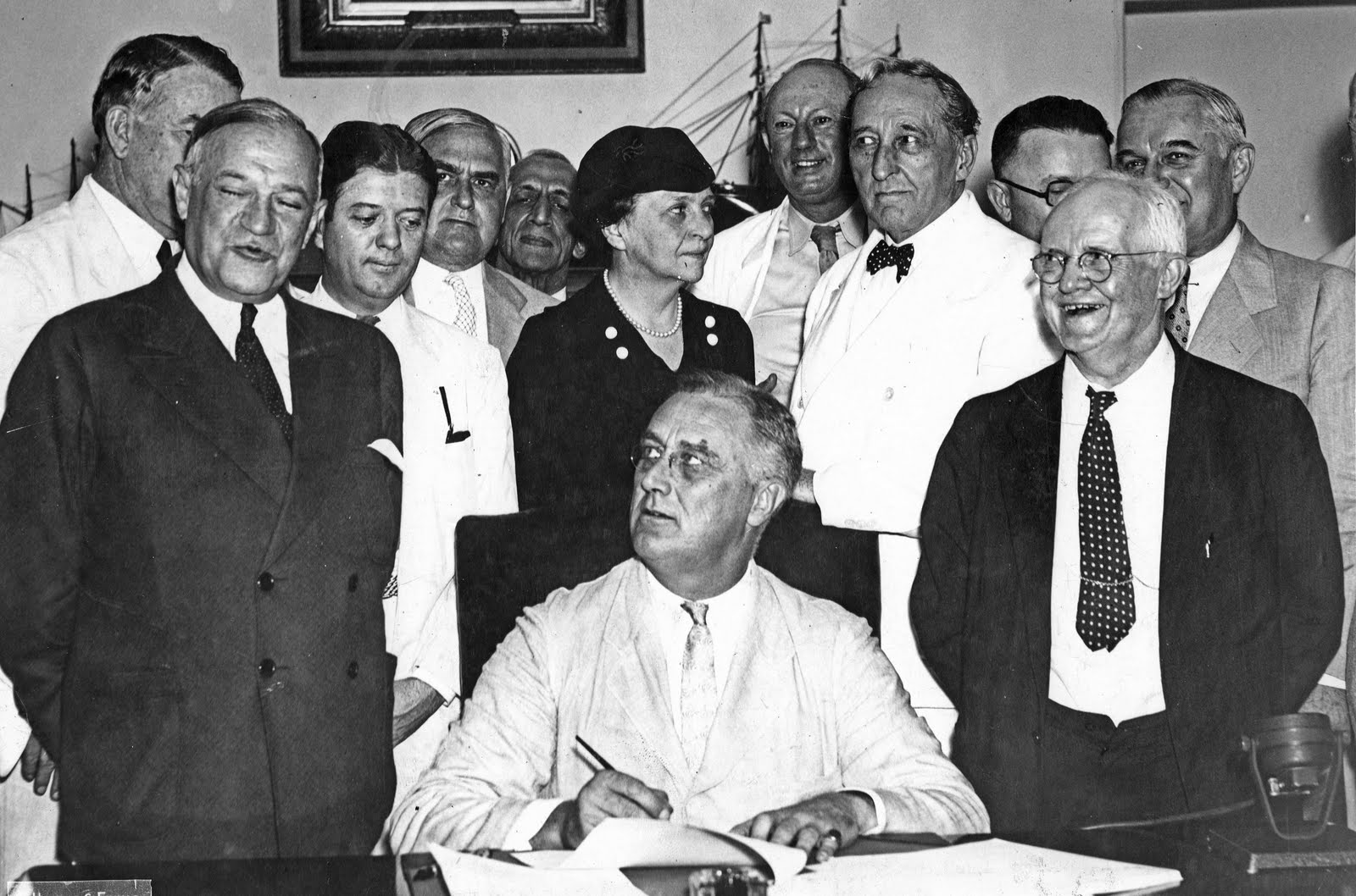 social security act of 1935 The social security act is a law enacted in 1935 to create a system of transfer payments in which younger, working people support older, retired people.
