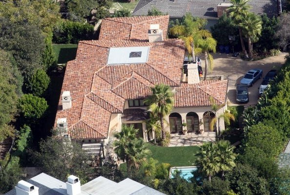Bollywood hollywood gossips addiction celebrity mansions for Celebrity house tour la