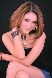 dewi kirana Foto Seksi Dewi Kirana