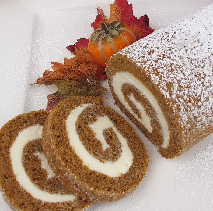 How to make this most gorgeous and beautiful pumpkin roll: