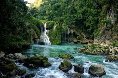Un hermoso paraíso en Semuc Champey, Guatemala