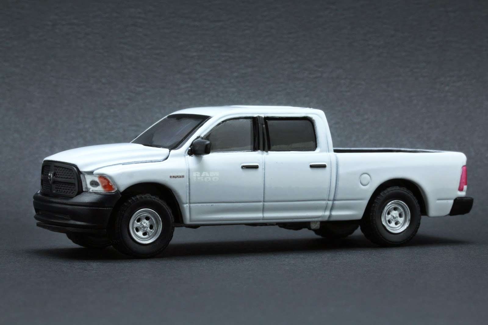 diecast hobbist 2014 dodge ram 1500 work truck. Black Bedroom Furniture Sets. Home Design Ideas