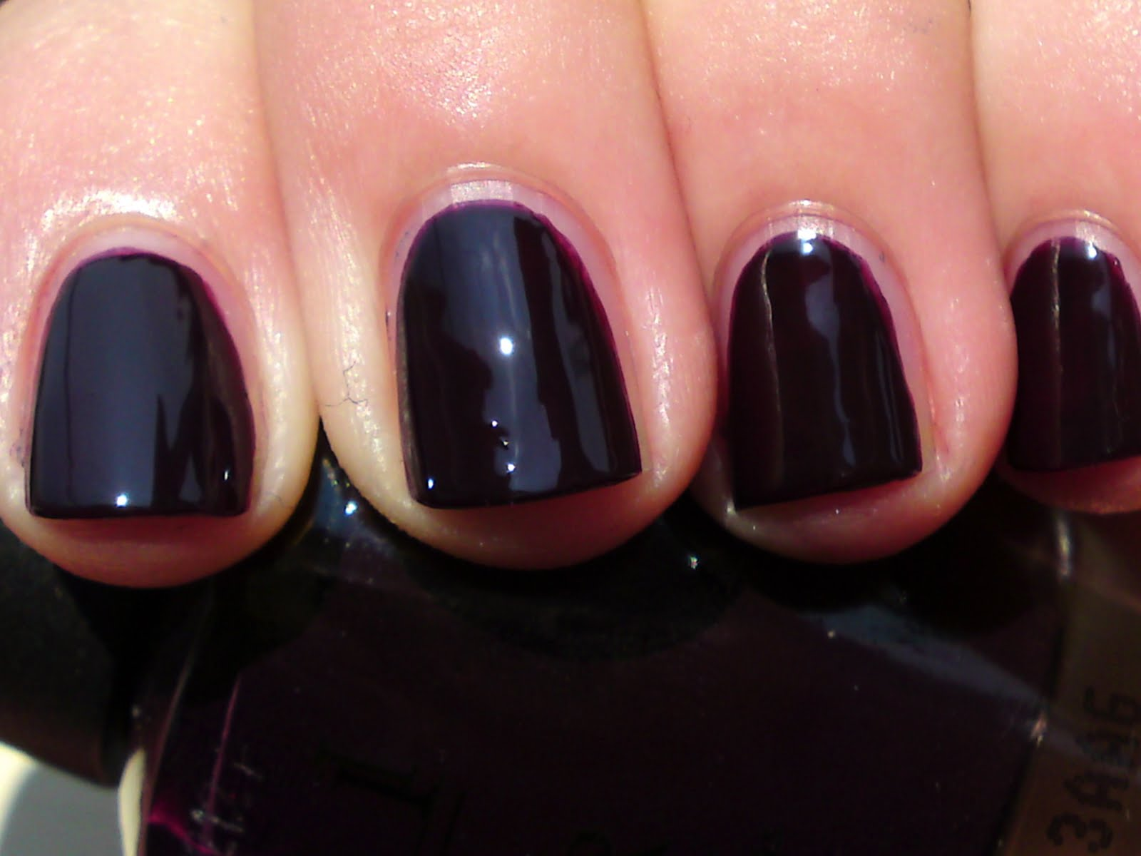 Charli\'s Makeup Blog: Top 5 nail polishes!