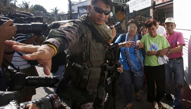 Militer Filipina Bebaskan Sebagian Sandera MNLF