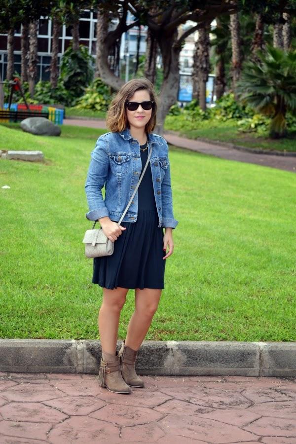 look_outfit_boho_chic_botas_flecos_vestido_lolalolailo_02