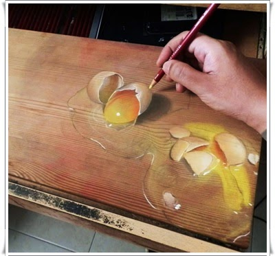 http://funkidos.com/pictures-world/art-world/hyper-realistic-paintings-on-wood