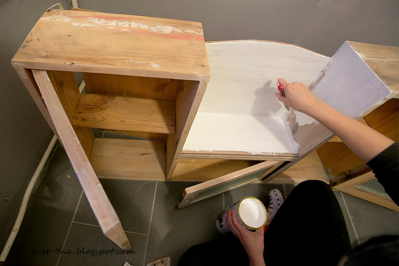 Pomysł na odnowienie drewnianych mebli