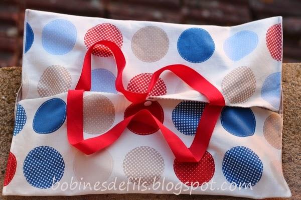 Sac à tarte K vue 1 / bobinesdefils.blogspot.fr