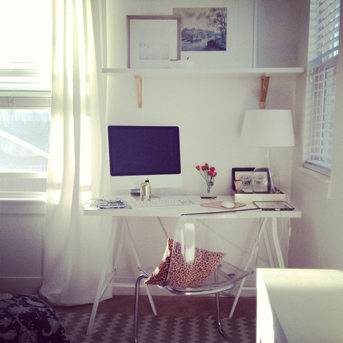 Ch dos poneis inspira o quartos fofos for Tumblr desk ideas