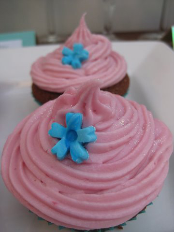 The Cupcake Architect: Chocolate, Raspberry and Chambord Cupcakes