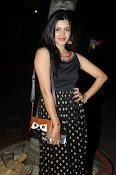 Pavani glamorous photos gallery-thumbnail-14
