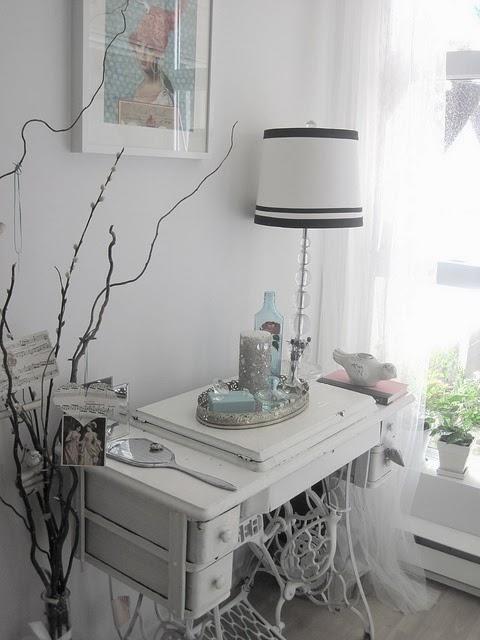 decoracao de interiores de casas antigas : decoracao de interiores de casas antigas: Neutros: Máquinas de costura antigas na decoração de interiores