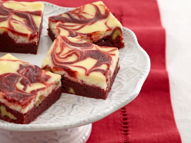 ... Looks: FOODIE FASHIONISTA: RED VELVET CHEESECAKE SWIRL BROWNIE RECIPE