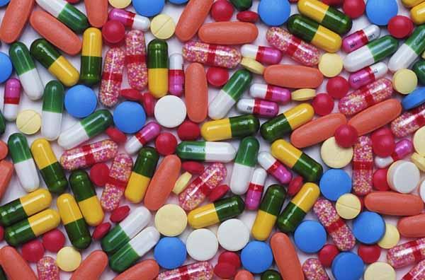 Silakan Lewat: Contoh Karya Ilmiah Tentang Obat-Obatan