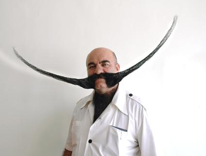 Πάμε παρέα? Καφέδο-μπύροσυναντήσεις  - Σελίδα 38 Wpid-moustache