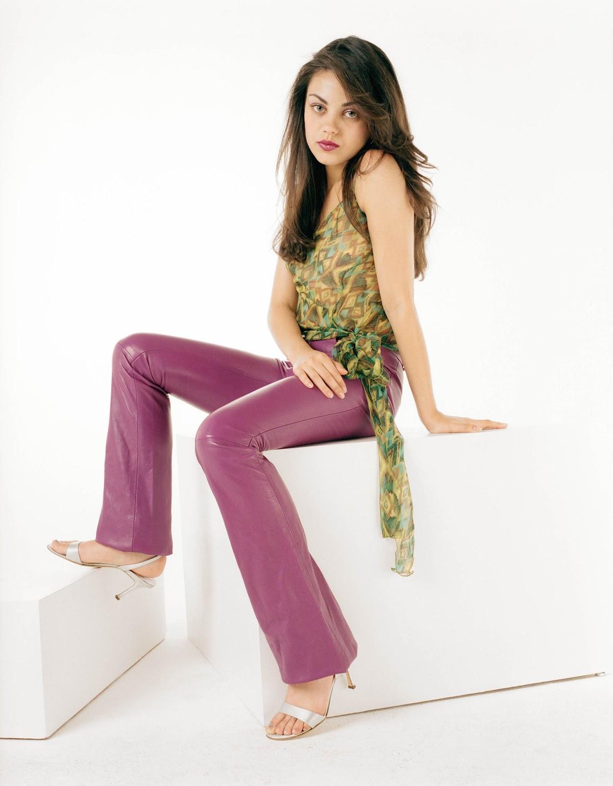 http://3.bp.blogspot.com/-cD3cSeUtj8k/T307U3FJttI/AAAAAAAAEco/iHixIwKIKYM/s1600/Mila_Kunis_Feet_1.jpg