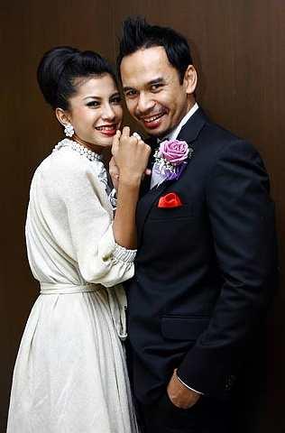 Gambar Memey Suhaiza dan Norman Hakim Terkini Sah Suami Isteri Selepas Majlis Akad Nikah