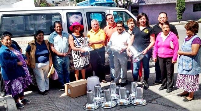 Entrega luminarias la regidora susana garc a a habitantes for Jardin 7 hermanos ecatepec