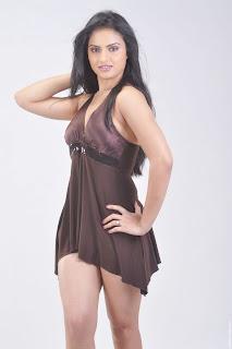 Actress-Ritu-Kaur-Hot-Photos_actressphotoszone.blogspot.com_26.jpg
