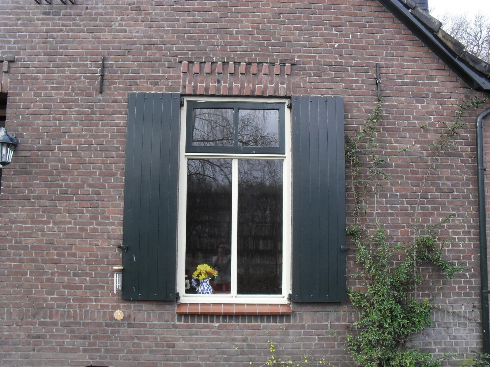Rolluiken versus vensters en gordijnen - Huisvlijt