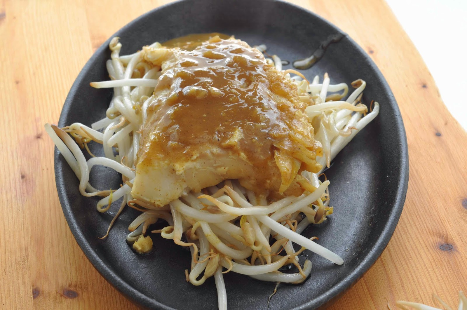 Chinese Style Spicy Cod Fillets on Beansprouts ~ Simple Food