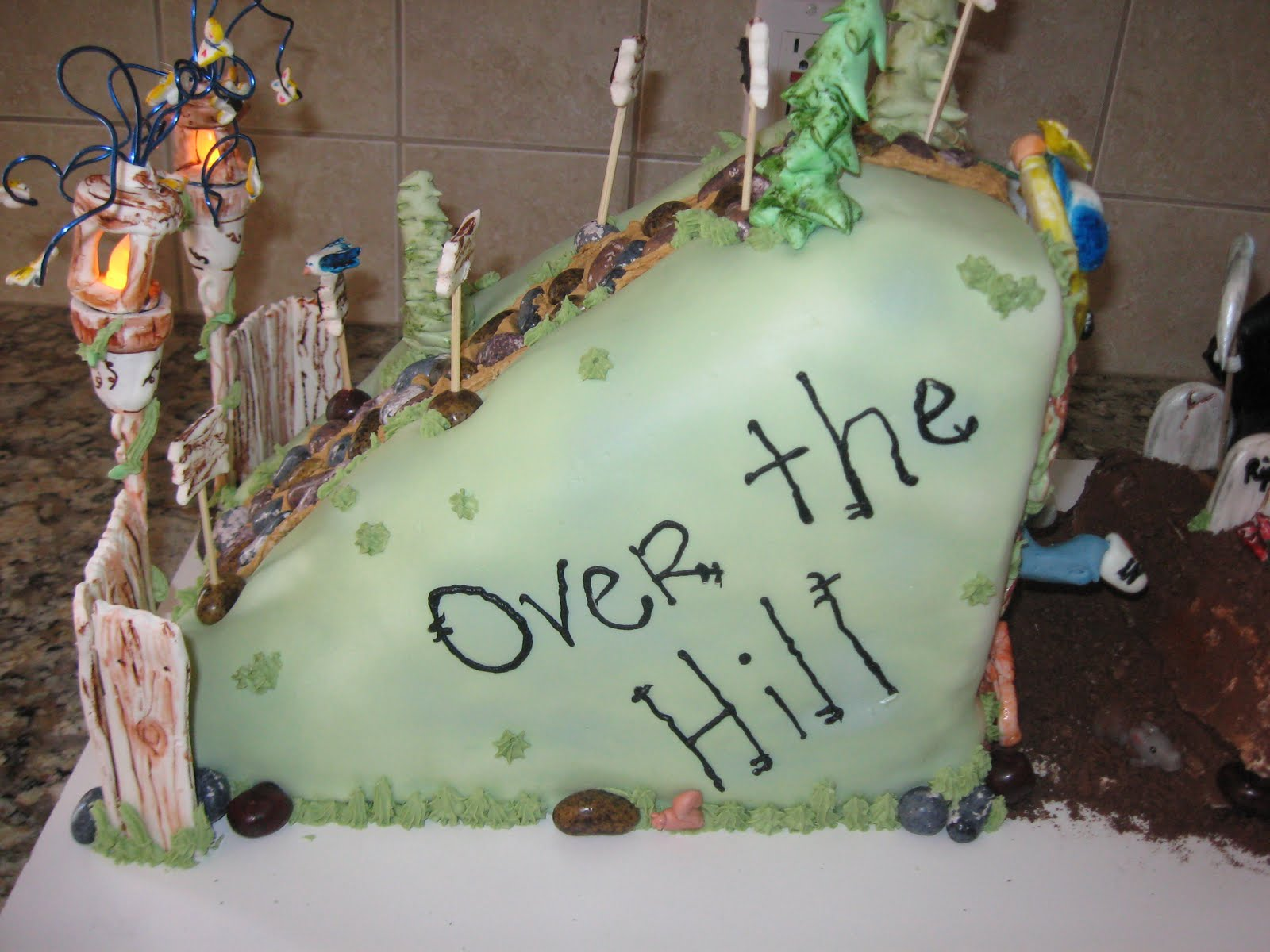 Queen Cakes Over The Hilli Meanway Over The Hill